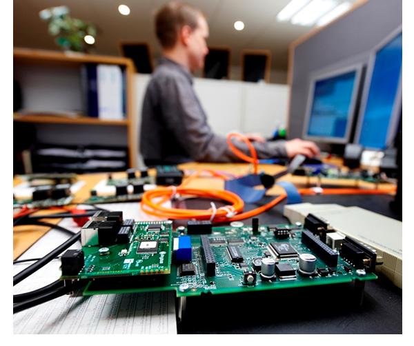 Entwicklung von Hardware und Software
