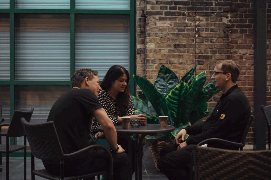 vivid-discussions
